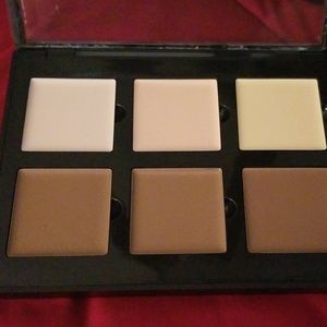 Anastasia of Beverly Hills contour cream kit